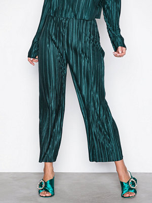 NLY Trend mönstrade byxor Pleated Culotte Pants Mörk Grön