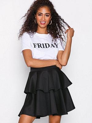 NLY One Short Flirty Frill Skirt Svart