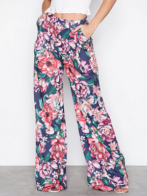 NLY Trend mönstrade byxor Volume Set Pants