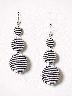 NLY Accessories örhängen Black & White Fabric Balls Svart/Vit