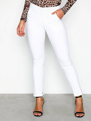 NLY Trend vita byxor Power Slim Pants Vit