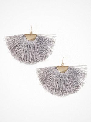 NLY Accessories örhängen Tassel Fan Earrings Grå
