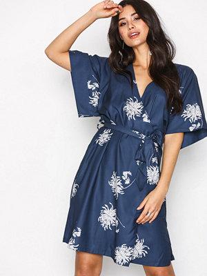 Dry Lake Kylie Kimono Dress Lily