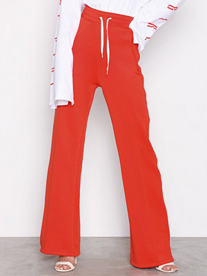 Tiger of Sweden Jeans röda byxor W64502006 Radio Poppy