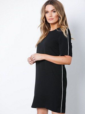 Only onlVIC Tee Piping Dress Wvn Svart