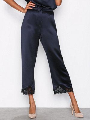 Samsøe & Samsøe marinblå byxor Lotus Pants Dark Sapphire