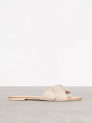 NLY Shoes Folded Sandal Beige