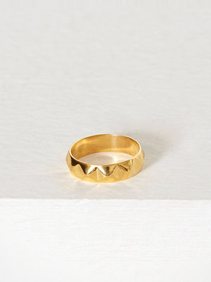 Blue Billie Stud Ring