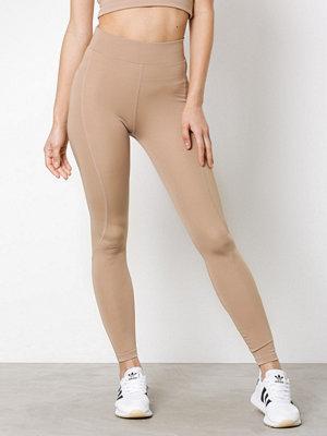 Sportkläder - NLY SPORT High Waist Basic Tights Ljus Brun