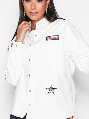 Missguided Slogan Badge Shirt Cream