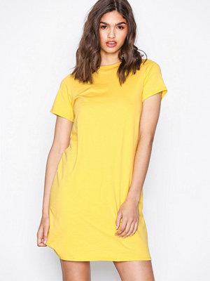 NLY Trend Basic Tee Dress Gul