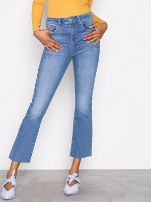 Gina Tricot Nicole Kickflare Jeans Mid Blue