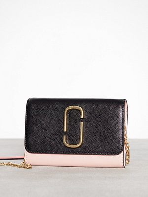 Marc Jacobs omönstrad axelväska Wallet On Chain Black Rose