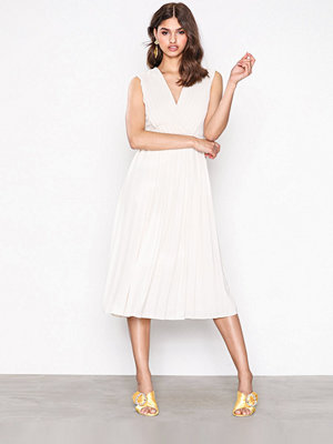 Selected Femme Sfsvenja Sl Pleated Dress Ljus Grå