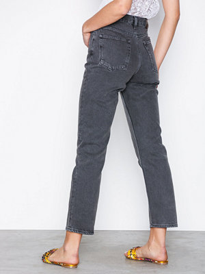 NLY Trend Cheeky Fit Straight Leg Denim Svart