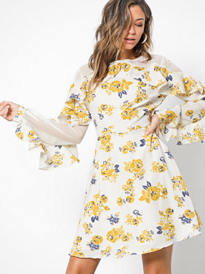 Glamorous Flounce Sleeve Dress