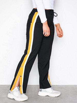 Vero Moda svarta byxor Vmkiki New Track Pants Exp