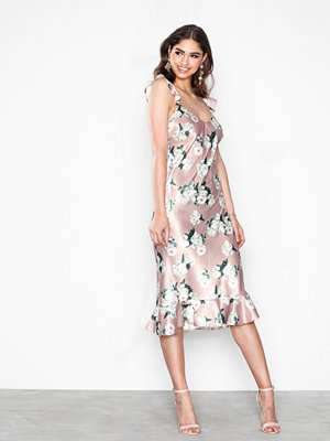 NLY Eve Low Frill Midi Dress Blommig