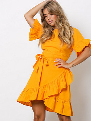 NLY Trend Beyond The Frill Dress Orange