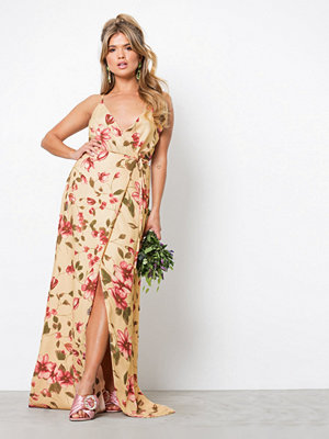 NLY Eve Thin Strap Flowy Gown Mönstrad