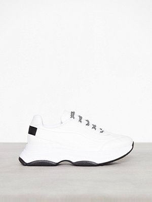 River Island Darling 90'S Lace Up Shoe White