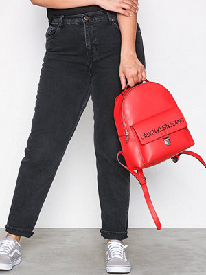 Calvin Klein ryggsäck Sculpted Cp Backpack 30 Scarlett