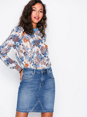 Selected Femme Sfmaya Mw Denim Skirt Mid Blue J Blå
