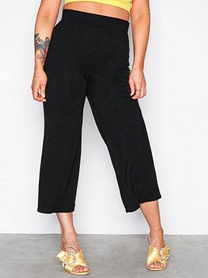NLY Trend svarta byxor Basic Culottes Svart