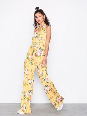 NLY Trend Tie Up Jumpsuit Gul Mönstrad