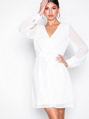 Sisters Point Gerdo-DR Dress White