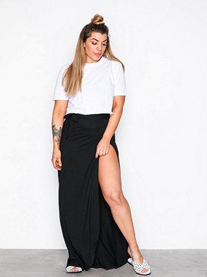 NLY Trend Wrap Skirt Svart