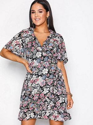 Glamorous Short Sleeve Wrap Dress Floral