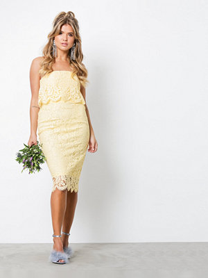 NLY Trend Lace Bandeau Midi Dress Gul