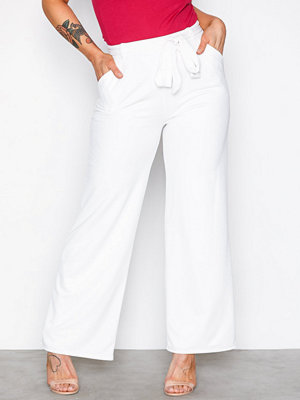 NLY Trend vita byxor Dressed Wide Pants Vit