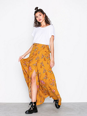 NLY Trend Wrap Tie Skirt Gul Mönstrad