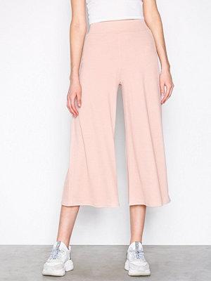 NLY Trend cremefärgade byxor Culotte Crepe Pants Beige