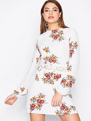 Ax Paris Long Sleeve Floral Dress Cream