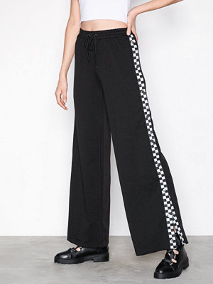 Missguided svarta byxor Popper Wide Leg Jogger Black