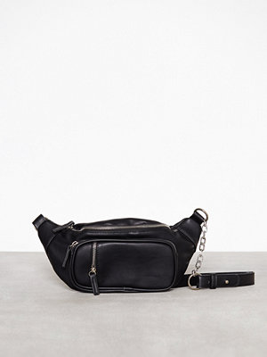 Missguided axelväska Chunky Chain Faux Leather Funny Pack Black