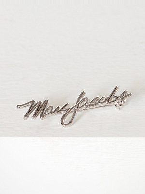 Marc Jacobs smycke Signature Logo Brooch Silver