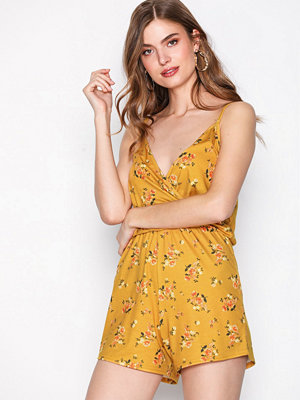 NLY Trend Simple Wrap Playsuit Blommig