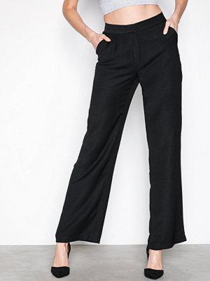 NLY Trend svarta byxor My Favourite Pants