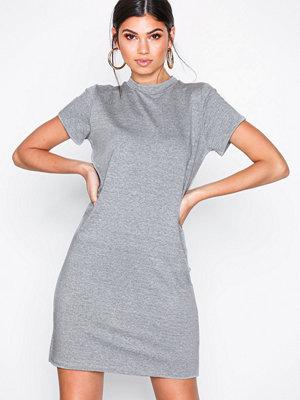 NLY Trend Basic Cozy Tee Dress Grå