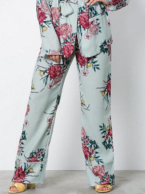 NLY Trend ljusgrå byxor med tryck Dressed Lounge Pants