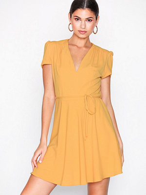 Glamorous Short Sleeve Dress Mustard