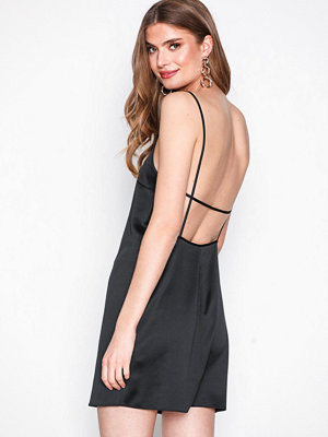 Missguided Satin Strappy Low Back Dress Black