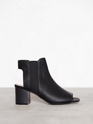 Topshop Dip Chelsea Shoe Boots Black