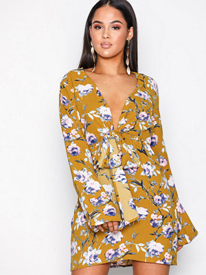 Missguided Satin Flare Sleeve Dress