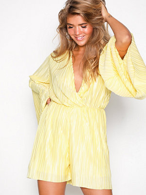 NLY Trend Kimono Pleated Playsuit Gul