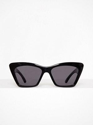 New Look Chunky Frame Small Cat Eye Sunglasses Black